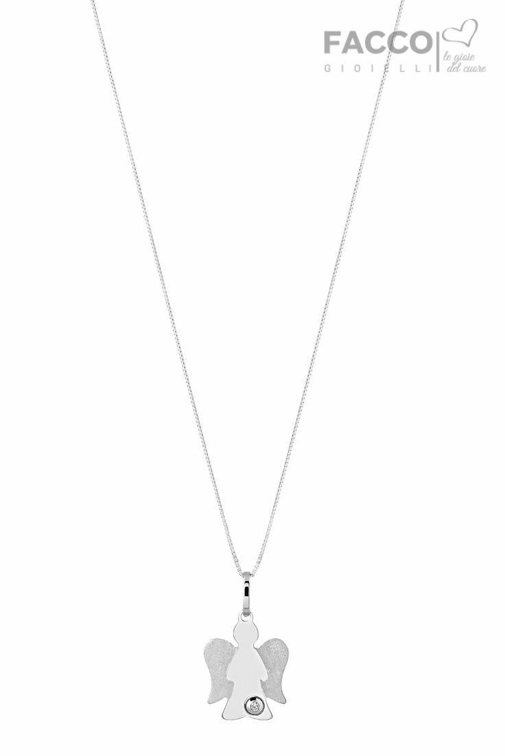 Collana mamma, Facco Gioielli, in oro bianco 750‰, pendente angelo con diamante ct 0,01.