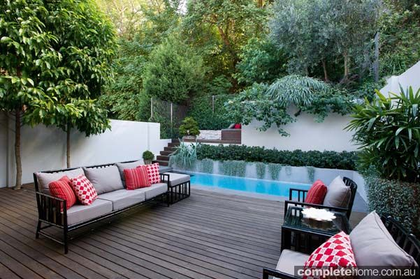 Like the multi-level retaining walls. Great way to deal with landscaping on a steep block of land. #modern #landscaping