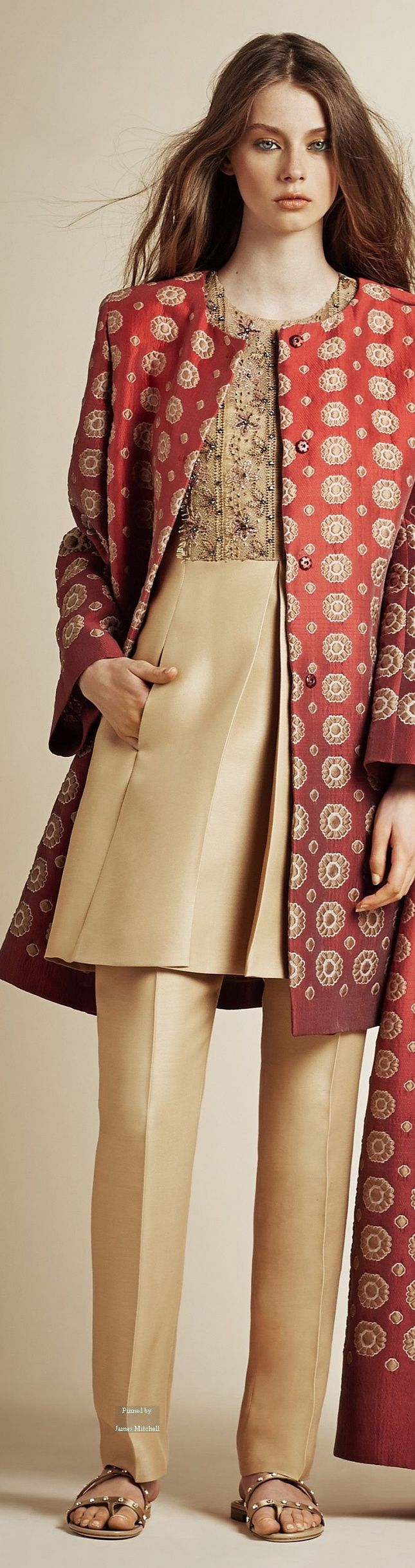 Alberta Ferretti Pre Spring 2016 collection women fashion outfit clothing style…
