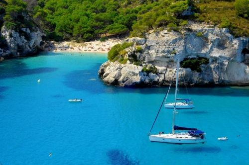 Sailing holidays in Croatia - Active Sailing aesthetically offers great value for money as it has a largely uncrowded, unspoiled and uncluttered coastline. Visit: http://activesailingcroatia.blogspot.com/2015/04/sailing-holiday-in-stunning-croatia.html