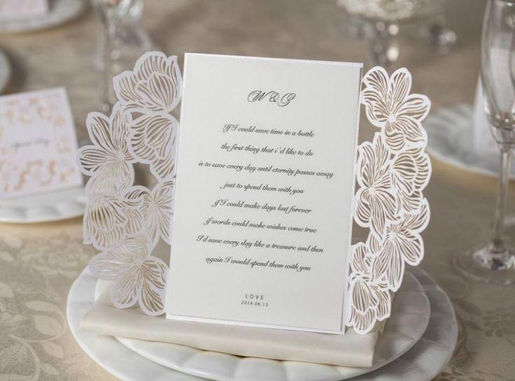 Smukke og luksuriøse bryllupsinvitationer med tryk til måske Danmarks bedste pris. Alle invitationer leveres inkl. luksuriøs foret kuvert samt sticker til forsegling. Vælg imellem sort eller brun trykfarve. Farvet tryk eller folietryk mod et lille ekstra tillæg