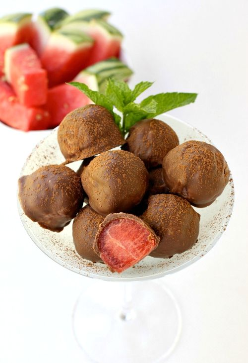 What could be better for a summertime dessert than these Watermelon Tequila Truffles!
