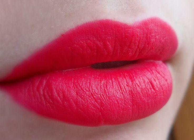 GOLDEN ROSE - Velvet Matte Lipstick 11