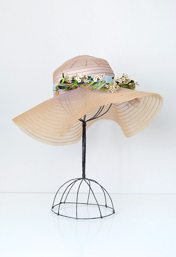 vintage 1930s pretty spring straw hat millinery flowers