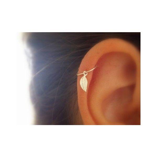 Feather kraakbeen hoop Earring, Feather piercing zilver hoop, zilveren... ❤ liked on Polyvore featuring jewelry, earrings, feather earrings, hoop earrings, feather hoop earrings and feather jewelry