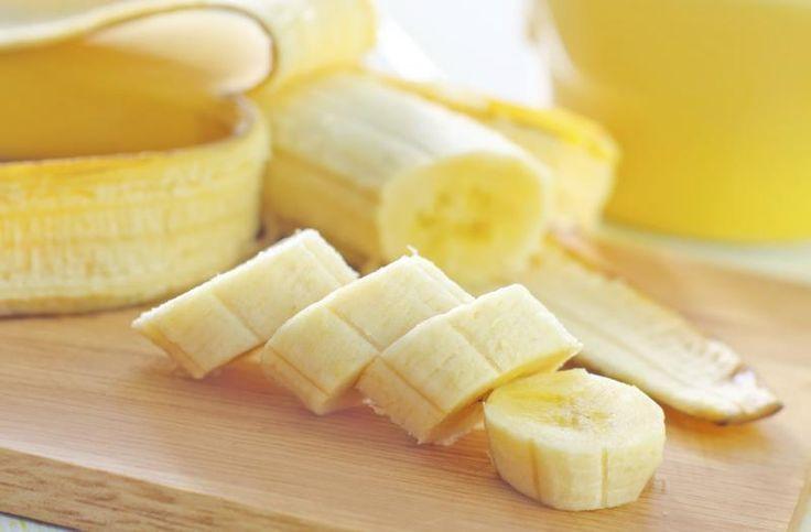 Hij begint de dag met een banaan en een kopje warm water om DIT magisch effect.
