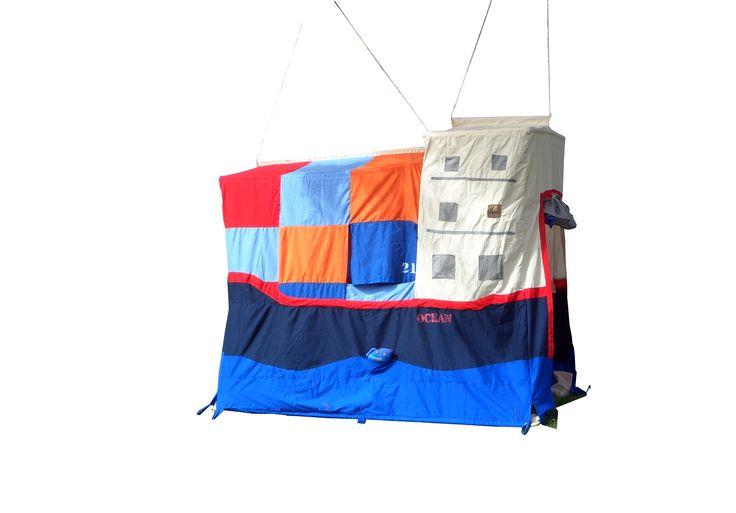 Container schip: speeltent gemaakt door Hanging Houses /  Container ship : Play tent made by Hanging Houses http://shop.hanginghouses.com