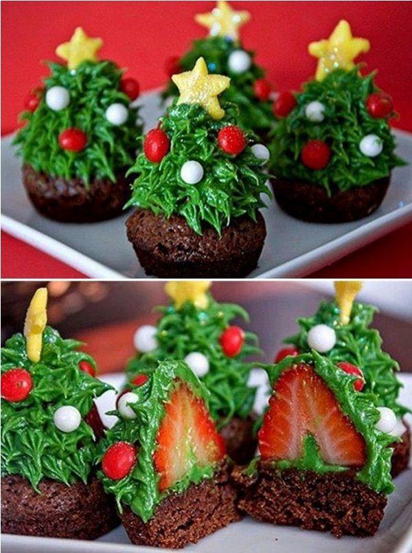 Strawberry Christmas Tree #Christmas #dessert