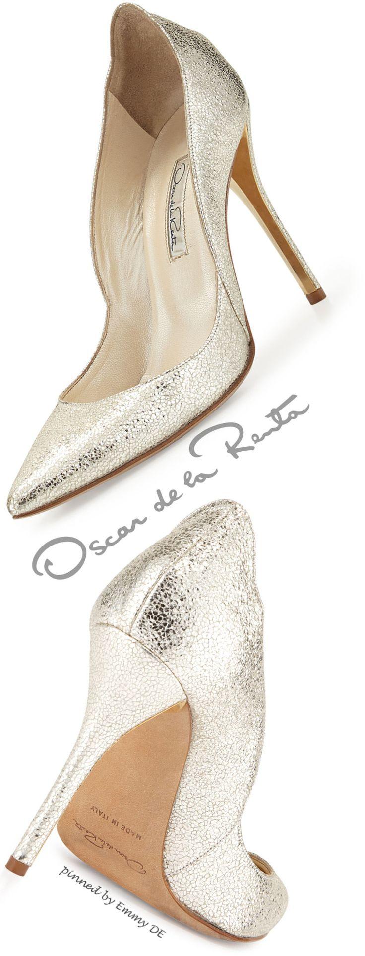 Brilliant Luxury ♦ Oscar de la Renta crinkled metallic leather pump in #gold