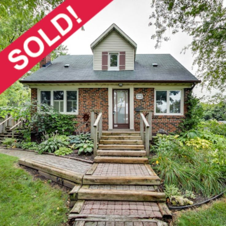 We are very pleased for both the seller and the buyer to confirm that 58 Monkton has SOLD firm, over asking. It's a terrific home with a deck that steals the show....