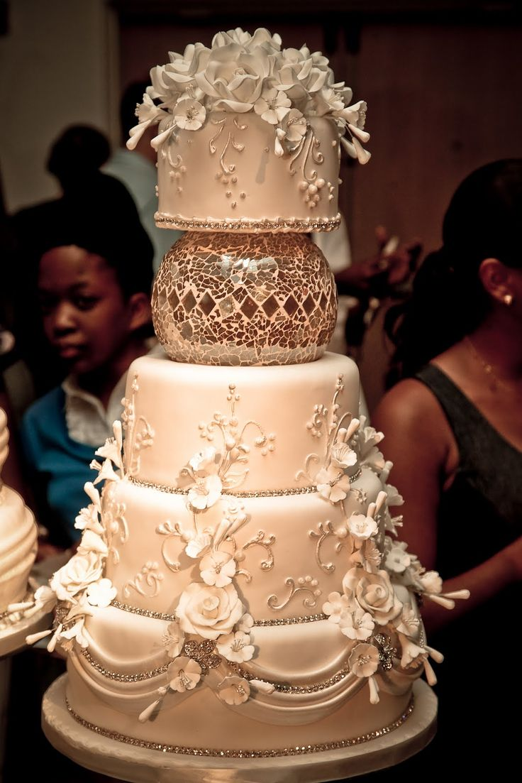 proper etiquette cutting wedding cake 133 best images about wedding cakes beige mocha on 18808