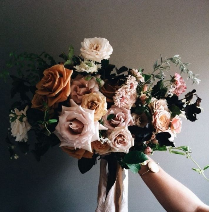 Instinctual Arrangements / View on The LANE / Wedding Style Inspiration