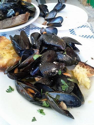 Pepata di Cozze – Peppered Steamed Mussels Recipe in Puglia, from Ms. Adventures in Italy. Love mussels!