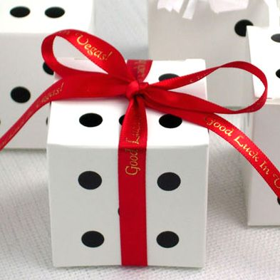 Dice Favor Boxes - Las Vegas Wedding Favors These would also make a super cute wedding favor! Just have to decide what I would put in them.. hmm?