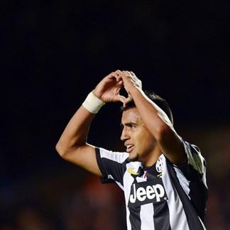 Vidal, Juventus   Celebrando después de anotar ante el Chelsea