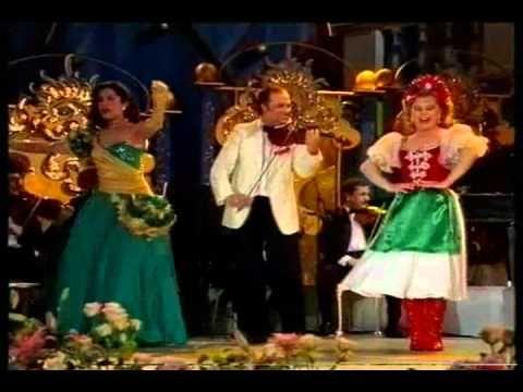 Stuttgarti Operett gála 10/10 - YouTube