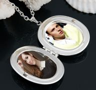 €10 Instead of €20 for a Beautiful Oval Photo Locket Necklace!!(delivery included)