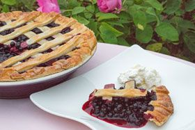 Traditionel blueberry recipes: Blueberry pie, bun and soup :) Sooooo delicious