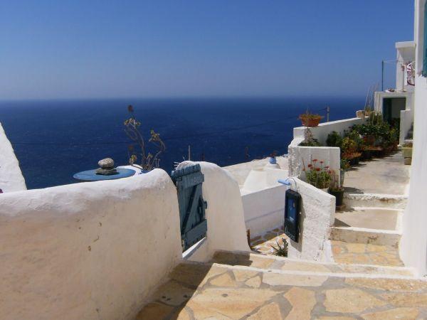 Cycladic style