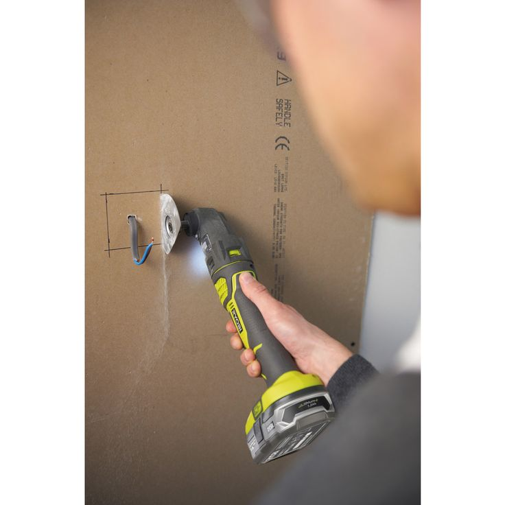 Cut awkward pockets with the Multi-tool. The MUST-HAVE tools for any keen DIY'er. Complete up to 6 different jobs with the 1 tool. The 18V Cordless Multi Tool from Ryobi's ONE+ System| Power Tools | Ryobi Tools