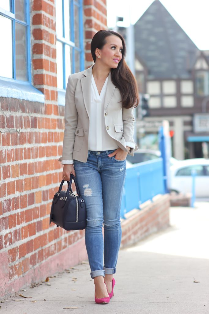 pink heels. love the rolled jeans, the jacket and the shirt