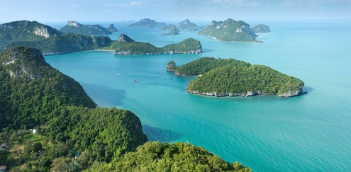 Fly like an eagle and marvel the beautiful Thai islands... Like little jewels thrown into the ocean ♥