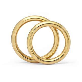 """Trauringe in 750 Gold """"Runddraht"""" Ringform: rund, innen stark bombiert. Dadurch entsteht ein angenehmer Tragekomfort. Damenring, Herrenring: 3mm breit, 3mm stark Oberfläche: poliert"""