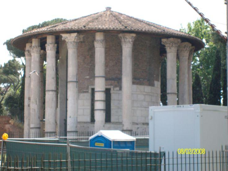 templo de Portonus en la plaza boca de la verdad, Roma foto de claudia lara