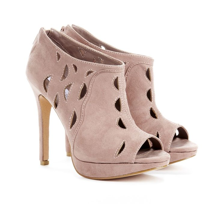 Gorgeous suede ankle booties: Cutouts, Design Shoes, Ankle Booty, Ankle Boots, Liana Ankle, Cutout Ankle, Woman Shoes, Platform Ankle, Sole Society