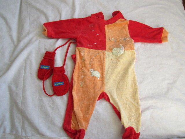 pagliaccetto per neonati di 3 mesi colore rosso