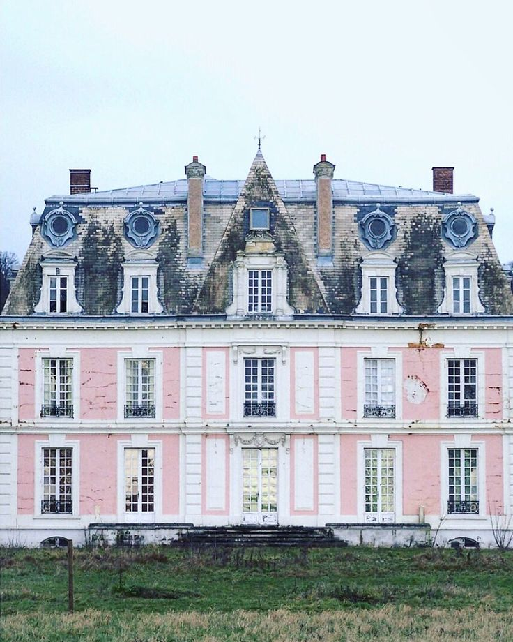 1000 ideas about french chateau homes on pinterest for French chateau style homes for sale
