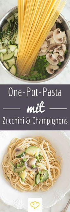 One-Pot-Pasta mit Zucchini, Champignons und Erbsen - so lecker!