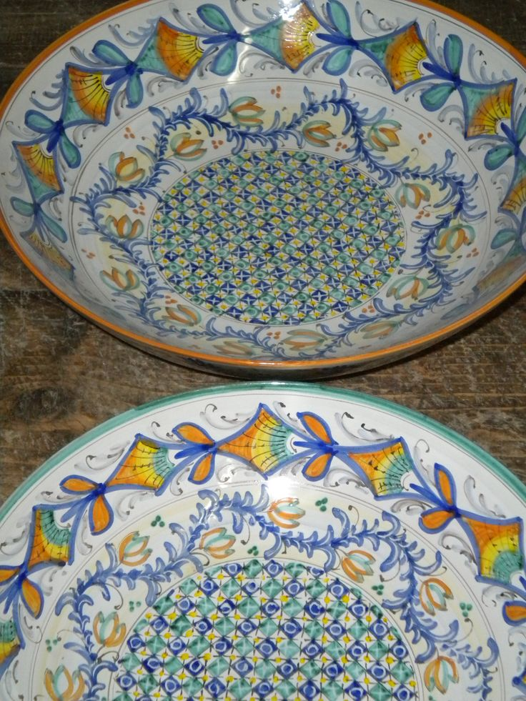 pair of bowls cm 25 Lorenza pattern with colours variation - www.sbigoliterrecotte.it