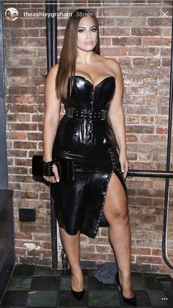 Ashley Graham 2017 črna usnjena obleka Ashley Graham-3908