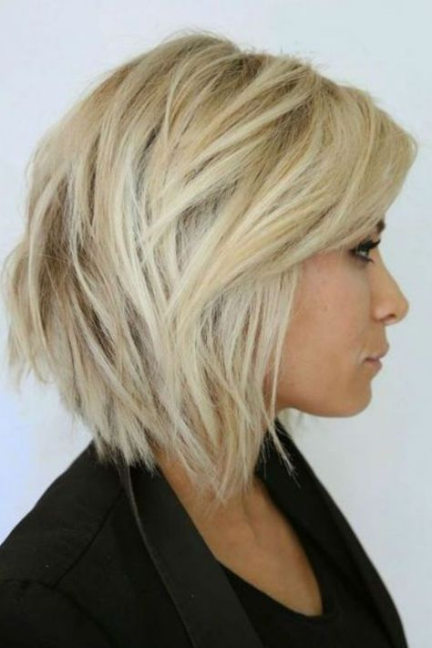 Idée de coiffure carré plongeant dégradé | Coiffure carré plongeant, Cheveux mi long, Cheveux mi ...