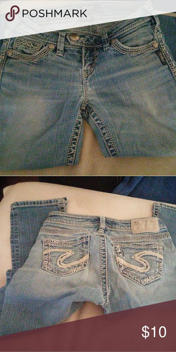 Womens silver jeans Like new....super cute jeans. Silver Jeans Jeans Straight Leg
