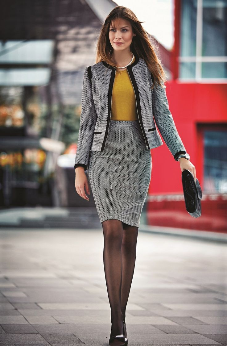 The modern woman's most elegant form is in perfect harmony of a jacket and a pencil skirt / Modern kadının en şık hali ceket ve kalem eteğin mükemmel uyumunda #woman #karaca #womenstyle #autumn #winter #fresh #pants #look #shirt #basic #jean #dress #jacket #coat #classical #spor #stylish #style #elegant #design