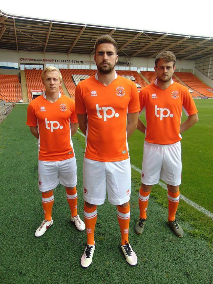Camisas do Blackpool FC 2016-2017 Errea