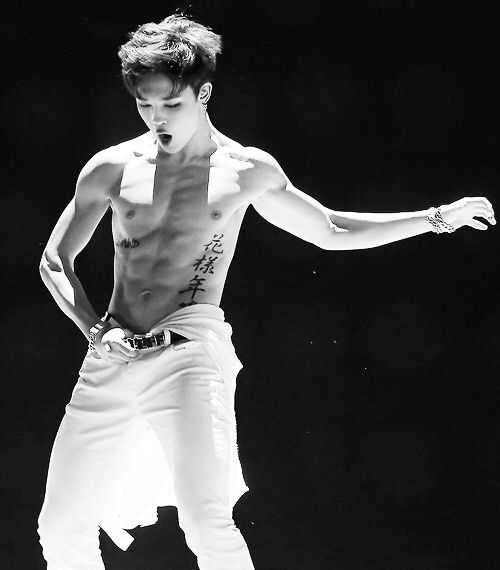 JIMIN IN MAMA 2014 X_____X I HAVE DIED.... IT IS SO SEXY AND PERFECT ...!!!...love you..