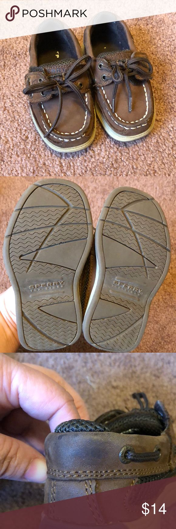 "Toddler Sperry's Toddlers Sperry Top-Siders. EUC - no stains or rips. One small spot on the back left shoe (3rd pic) but may come off.. it's barely noticeable. Velcro ""laces"" makes it super easy to get on & off. Smoke free home Sperry Top-Sider Shoes"