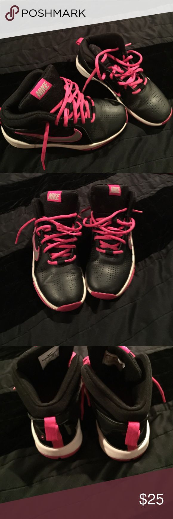 Girls Nike shoes Comfy pink & black tennis shoes Nike Shoes Sneakers
