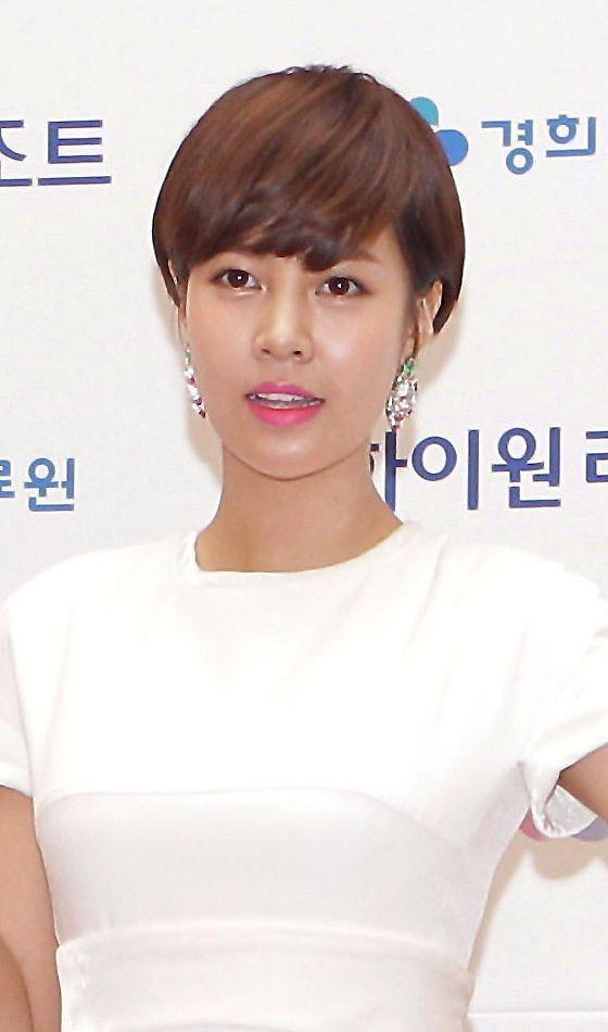 Best 25+ Korean short hairstyle ideas on Pinterest | Asian ...