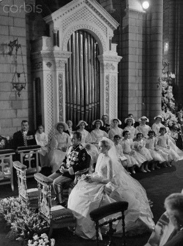 Prince Rainier and Grace Kelly at Altar