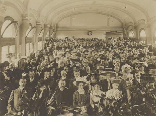 Flinders Street Station | Culture Victoria Blog site for the Flinders Street Station project. I think this must be the ballroom. I hope this will be preserved during the rebuilding of the station.