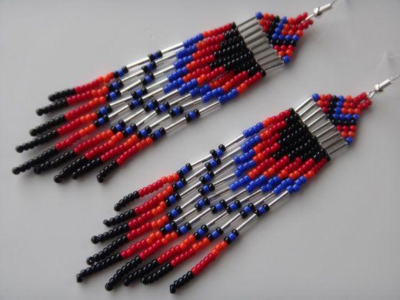 Boucles d'oreilles Amérindienne perlées. Native American. Autochtone. Bijoux Amérindiens. Boucle d'oreilles colorées. Argent sterling.