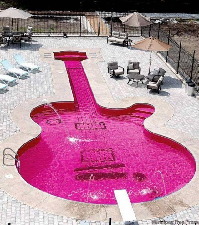 pink guitar swimming pool. piscina guitarra