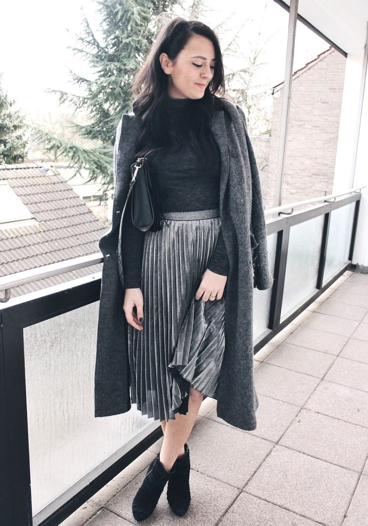 @Official_SheIn pleated skirt