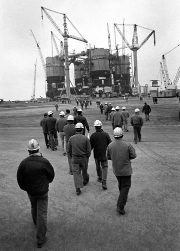 Acciaio: Gli operai dell'industria pesante.