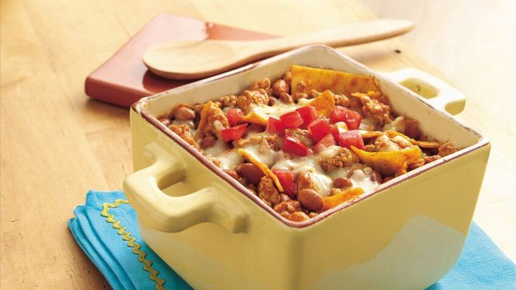 When you've been working all week, the last thing you want to do is spend your whole weekend slaving away in the kitchen making elaborate meals. Instead, focus on easy, inexpensive meals so you can kick back and relax instead. GOBankingRates has pulled together 10 cheap meal ideas for the weekend that will give you maximum flavor and leisure time — with minimum damage to your budget.