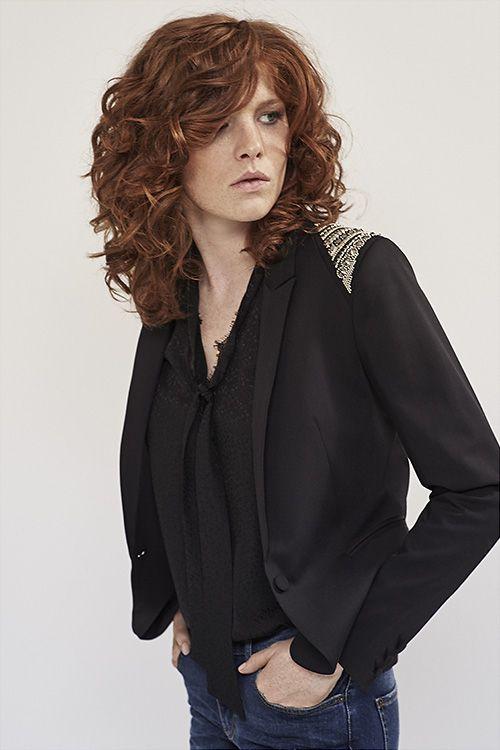 mode automne hiver 2016 by ikks women veste blazer noire et blouse lavali re noire hairstyles. Black Bedroom Furniture Sets. Home Design Ideas